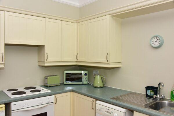 Garden suite kitchen 3